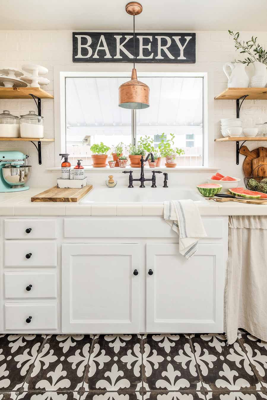 Farmhouse Kitchen The 5 Essentials , American Farmhouse