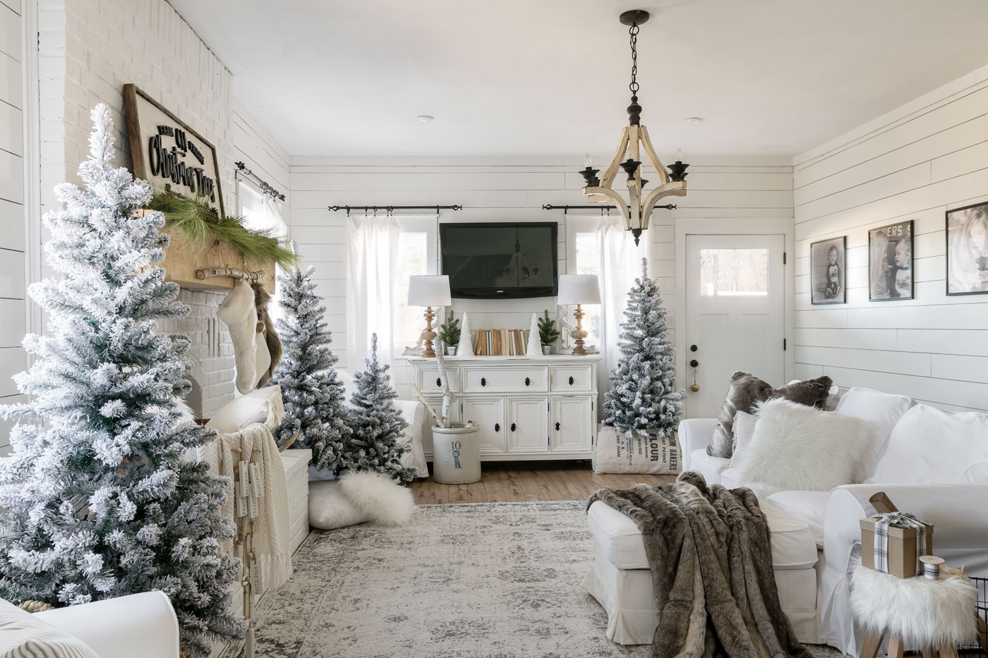 A Modern White Christmas Home American Farmhouse Lifestyle