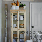 Sign art in an American farmhouse living room