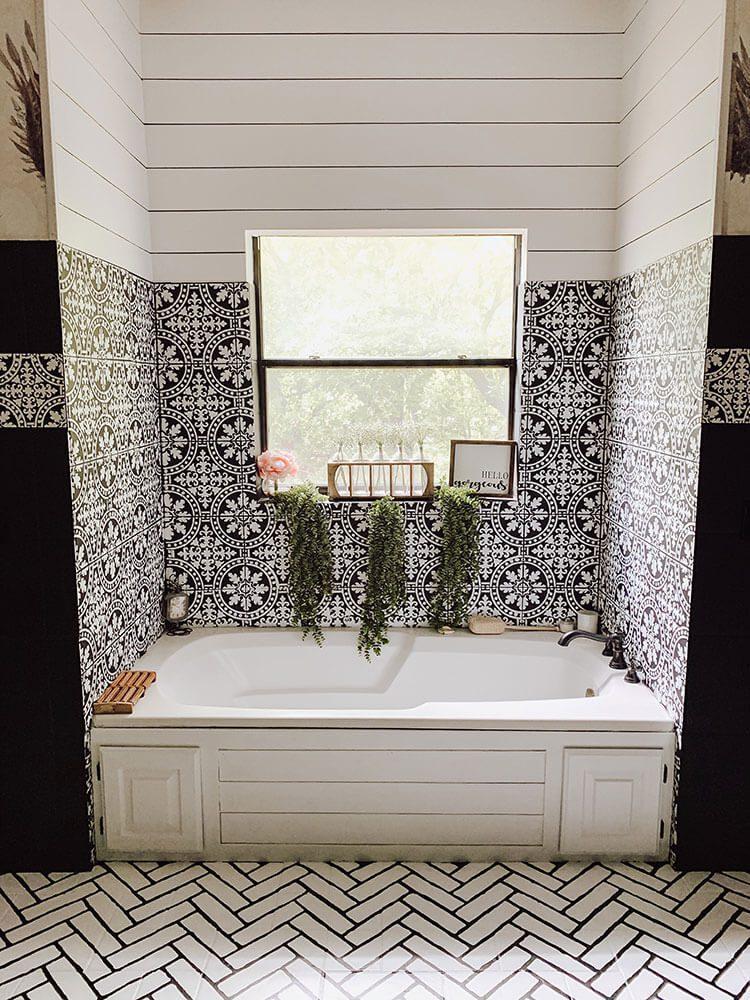 A Farmhouse Bathroom With Diy Charm American Farmhouse Lifestyle